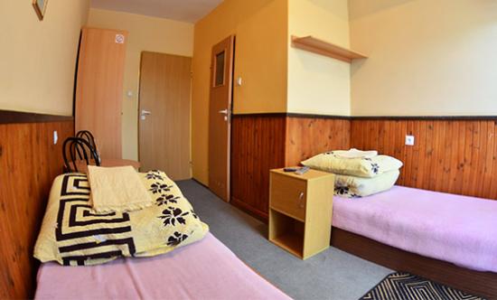 Pokoje 2-osobowe mniejsze bez przedpokoju