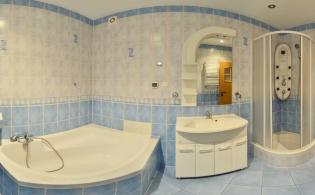 Przykładowa łazienka pokój wieloosobowy